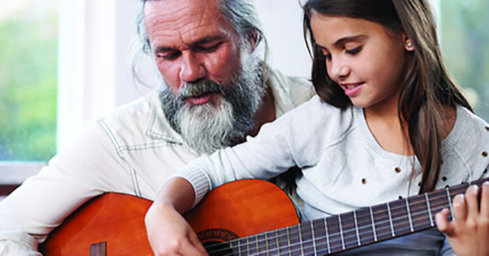 Amplifon_Blog_1_Father-Daughter-Guitar